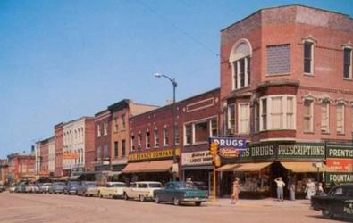 Businesses on the northwest corner of Lincolnway and Franklin Street in the 1950s