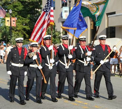 Honor Guard Parade Picture - ValpoLife